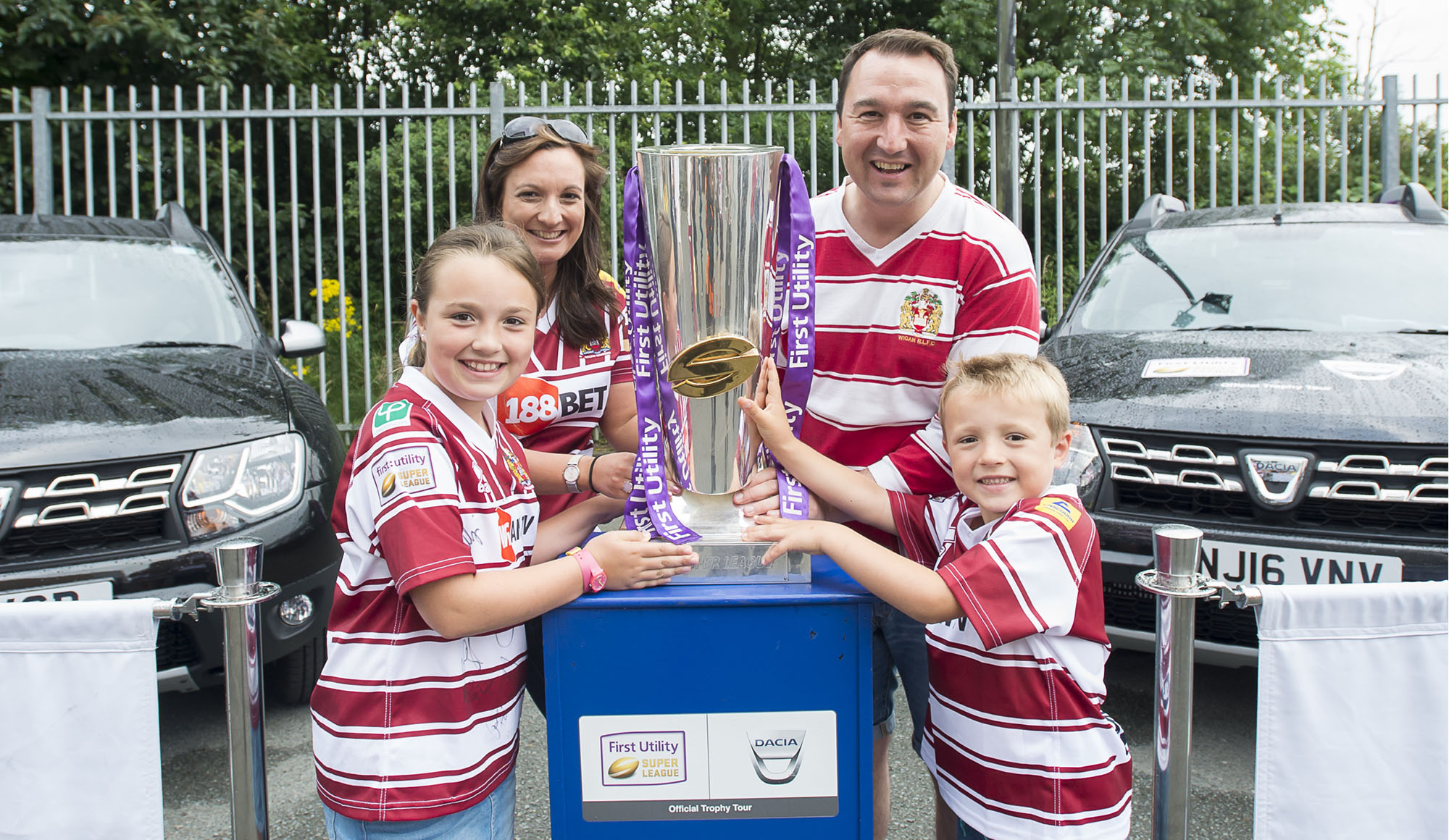 Wigan Warriors fans with Super League trophy 2016