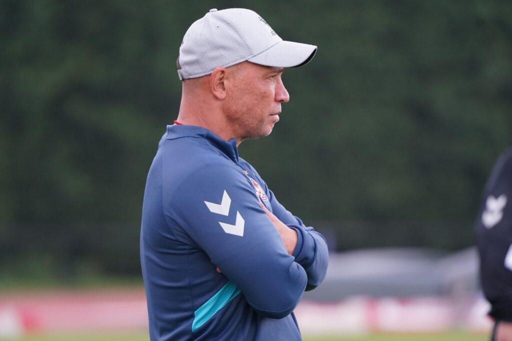 Lam previews Leeds